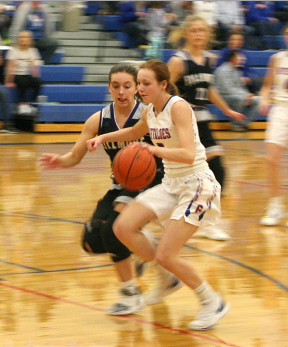 Jade Bentley moves past a defender earlier this season. The Gibbon ladies closed out the regular season at Southern Valley on Tuesday and will be part of the C1-10 District meet at Kearney High early next week. (–photo by Dennis Walker)