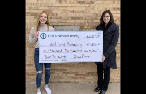 Rauert fundraiser buys books for Wood River Elementary students