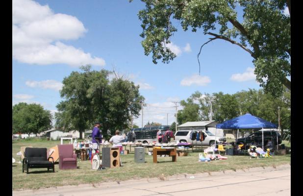 Beautiful summer days greet Wood River City-Wide Garage Sales